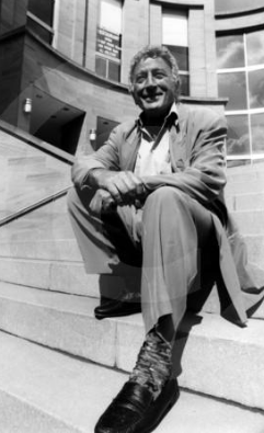 Tony Bennett - Concert Hall steps