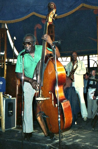 Edinburgh Jazz Festival - Milt Hinton & Buddy Tate, 1986.jpg 2